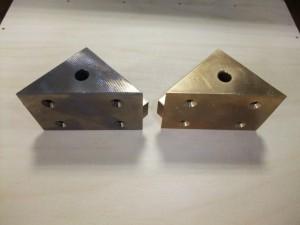 特殊制振合金「インテリアル」と砲金製ベース